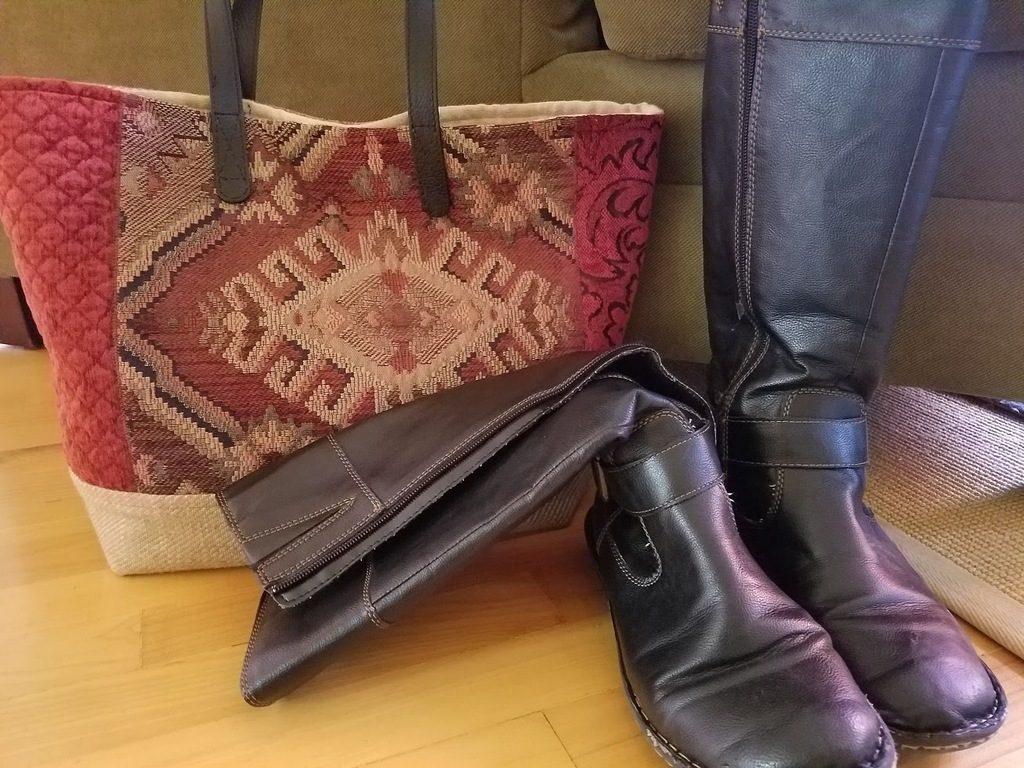 Any Texture Finished Renaissance Tote ready to use, luxurious handbag