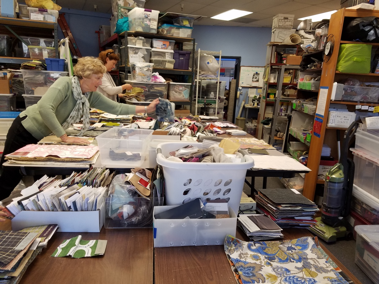 Sorting fabrics by size and kind at FabMo