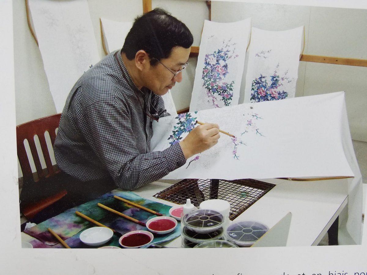 Hand painting on silk